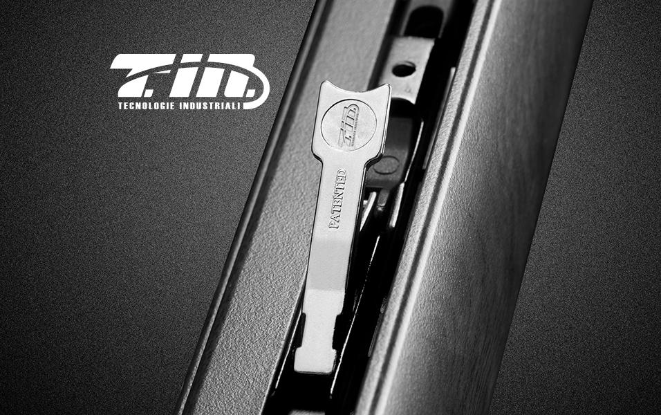 T in tecnologie industriali sistemi ed accessori per for Uniform sistemi per serramenti